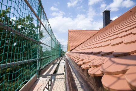 safety net: Tiled roof, safety net