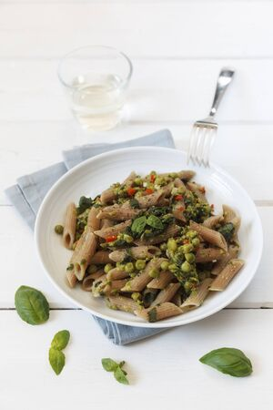 wholegrain: Whole-grain spelt rigatoni with pears and spinach