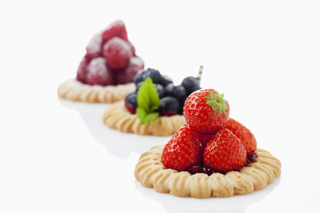 short crust pastry: Tarts with blueberries, strawberries and raspberries