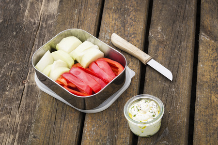 crudite: Picnic, dip and crudites, paprika and kohlrabi Stock Photo