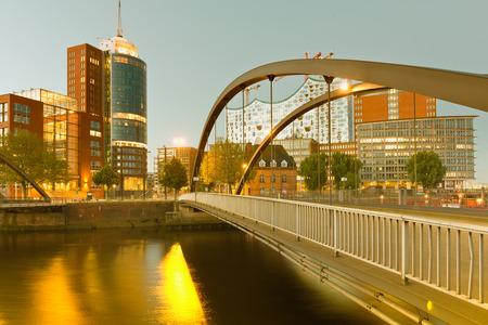 htc: Germany, Hamburg, view on the Niederbaumbridge and Kehrwiederspitze, HTC and landmark Elbphilharmonie