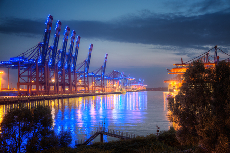 ドイツ、ハンブルク、青港コンテナ ターミナル