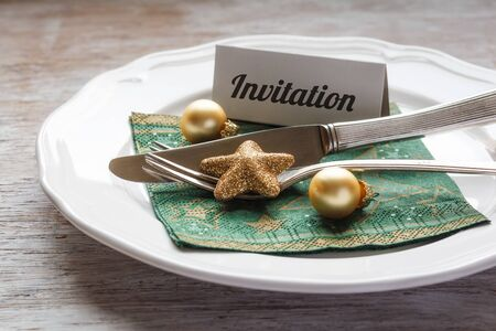 place setting: Christmas place setting, plate, napkin and cutlery