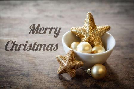 bodegones: Decoraciones de Navidad en un taz�n, Ingl�s desea, Feliz Navidad
