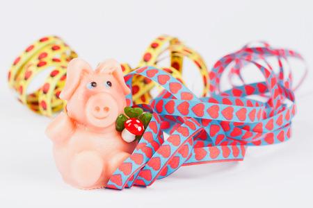 twee: Marzipan pig and streamers