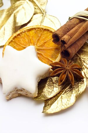 christmas scent: Cinneman star, star anise, cinnamon sticks and gold-plated bay leaves