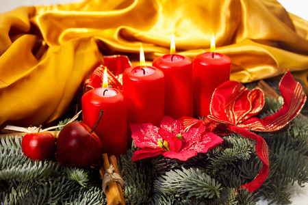 christma: Christmas floral arrangement with red candels