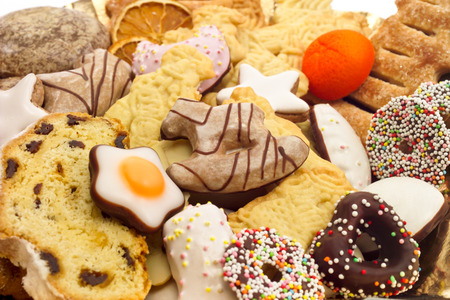 almond biscuit: Christmas plate with various christmas biscuits
