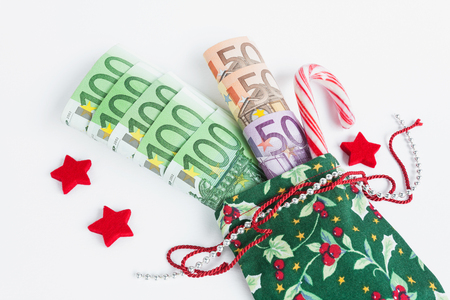 billets euros: Christmas present, Santas sack , Euro notes Banque d'images