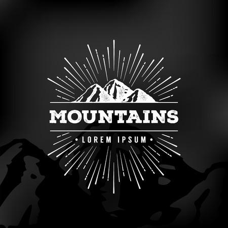 exteriores: Montañas del vector emblema. Al aire libre símbolo de actividad.