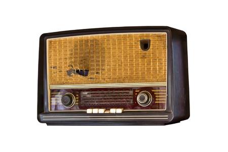 old technology: vecchia radio d'epoca isolato su sfondo bianco