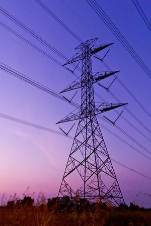 torres de alta tension: puesto de energía eléctrica de alto voltaje
