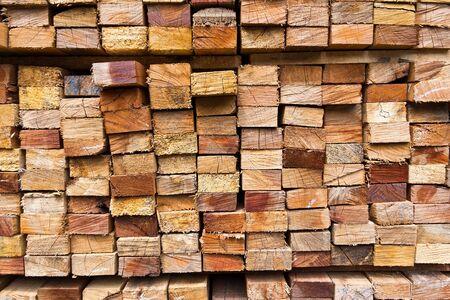 stapel hout logboeken voor achtergrond Stockfoto