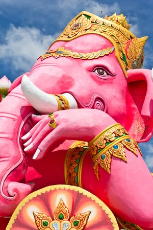 chachoengsao: pink ganecha statue wat Samarn, Chachoengsao, Thailand