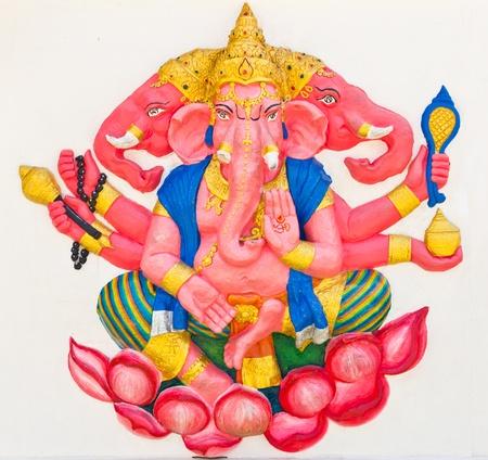 shiva: Indien ou hindoue Dieu nomm� Trimukha Ganapati au temple en Tha�lande