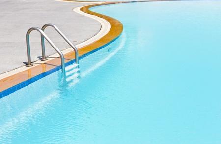 pool game: swimming pool ladder