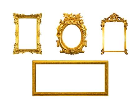 Rahmen aus vergoldetem Holz isoliert auf weißem Hintergrund