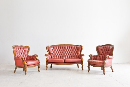 muebles antiguos: sill�n de lujo de la vendimia en sala blanca