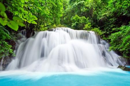 Waterval, hua mae Kamin niveau 3 Kanchanaburi Thailand Stockfoto - 15757579