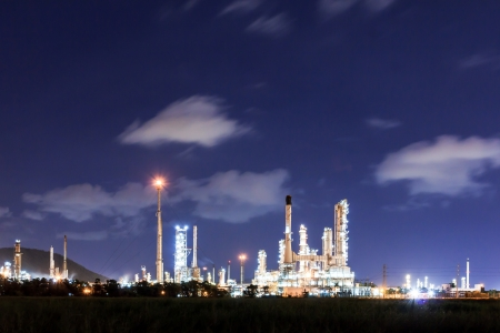 refinement: Oil refinery plant at dusk