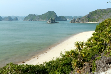 unoccupied: Unoccupied beach at some island at the Lan Ha Bay in Vietnam Stock Photo