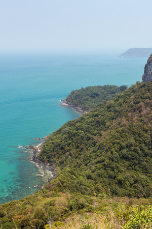 ang thong: View of lush and hilly island, coastline and ocean from above at the Angthong (Ang Thong) National Marine Park in Thailand Stock Photo
