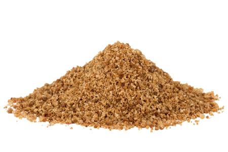 coco: Montón de marrón orgánica azúcar de palma de coco, aislados en fondo blanco. Foto de archivo