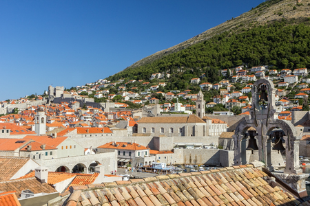 srd: Old Towns skyline and Mount Srd in Dubrovnik, Croatia, with blue sky. Stock Photo