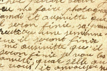 comunicación escrita: Vintage mano escrito en una carta. Antiguo documento con la estructura visible. Pen tinta.
