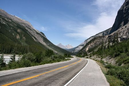 Icefields Parkway in Banff National Park of Canada. Mountain landscape. Stock Photo - 2625293