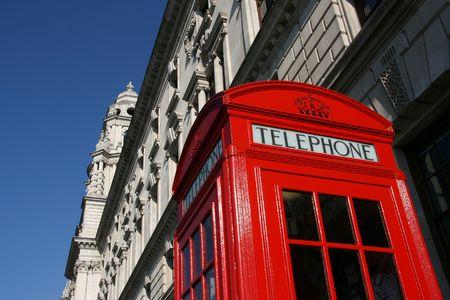 cabina telefonica: Londres t�pica cabina telef�nica - s�mbolo de la Gran Breta�a.