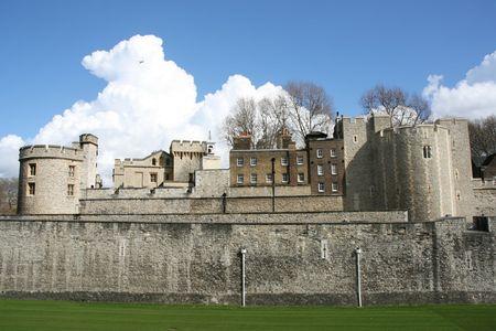 Tower of London (oficjalnie: Her Majesty's Royal Palace i Twierdza) - słynne średniowieczne landmark angielski w stolicy Zdjęcie Seryjne - 3532203