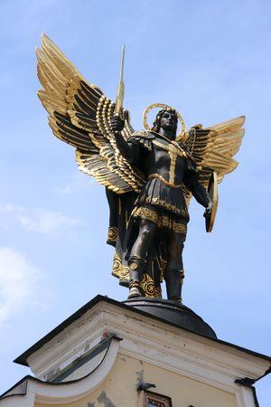 angel de la independencia: Santa patrona de Kiev - arc�ngel Miguel. La poblaci�n local le llaman Batman. Foto de archivo