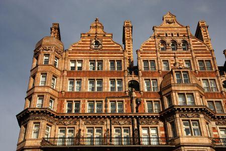 연합 왕국: Famous Hotel Russell in London, United Kingdom 스톡 사진