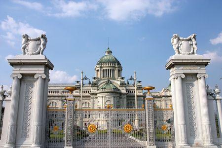 thep: Dusit Palace in Bangkok, Thailand. Ananda Samakhom Throne Hall.