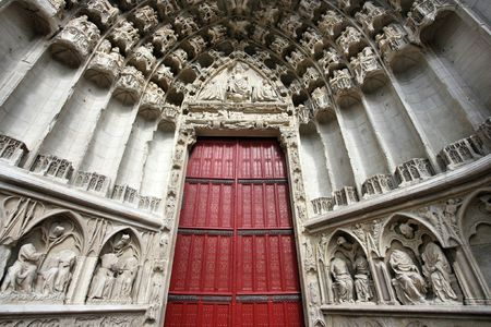 Door to beautiful gothic Cathedral of Saint Etienne in Auxerre, Burgundy, France Stock Photo - 5883052