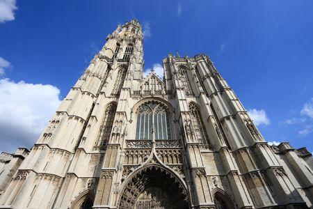 Le due chiavi. 6244270-cattedrale-di-nostra-signora-di-anversa-in-belgio-onze-lieve-vrouwekathedraal