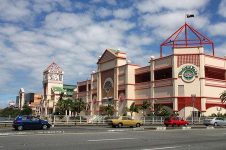 toma corriente: QUEENSLAND - el 24 de marzo: Vista de la Feria del Pac�fico el 24 de marzo de 2009 en Gold Coast, Queensland (Australia). El centro comercial fue el m�s grande en Queensland hasta el 2006. Volver� a este estado a una vez finalizada la remodelaci�n actual.