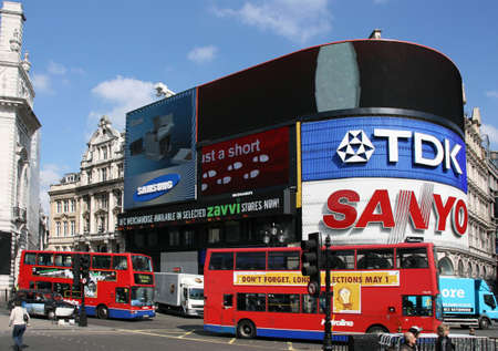 tdk: LONDON - APRIL 10: View of Piccadilly Circus on April 10, 2008 in London. Famous advertisements of TDK and Sanyo have been here for at least 20 years and are considered symbols of famous square.