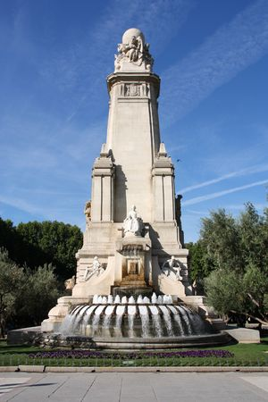 Madrid - fountain and Cervantes Monument at Plaza Espana Stock Photo - 6501556