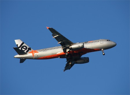 coolangatta: GOLD COAST, AUSTRALIA - MARCH 24: Jetstar Airbus landing at Coolangatta Gold Coast Airport on March 24, 2009. Jetstar is a fast growing low-cost subsidiary of Qantas airlines.
