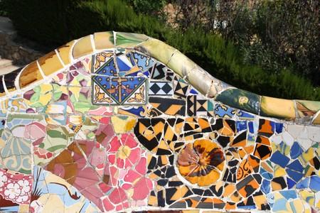 trencadis: Mosaico art�stico en Parque Guell Antoni Gaud� - detalle de Barcelona.