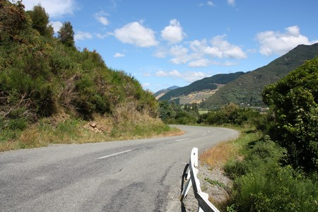 marlborough: New Zealand. Winding road. Mountains in Marlborough region.