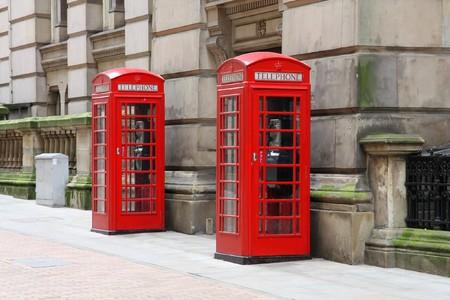 cabina telefonica: Cuadros de tel�fono rojo de Birmingham. West Midlands, Inglaterra.