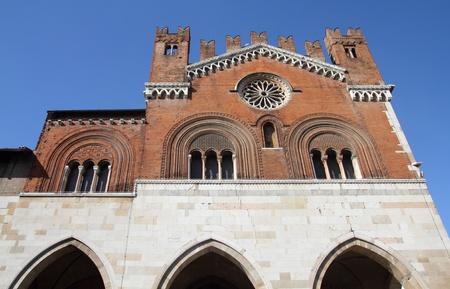 gotico: Piacenza, Italia - regi�n Emilia-Roma�a. Palazzo Communale, tambi�n conocido como Il Gotico.