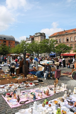 BRUSSELS - SEPTEMBER 2: Daily flea market at Place du Jeu de Balle on September 2, 2009 in Brussels. According to the Guardian, it is the 5th most interesting flea market in Europe. Stock Photo - 8448640