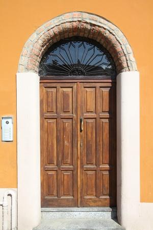 piacenza: Piacenza, Italia - regi�n Emilia-Roma�a. Colorida arquitectura mediterr�nea.