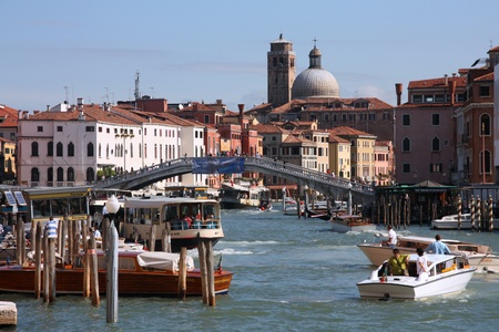 VENICE - SEPTEMBER 17: Bustling city life on September 17, 2009 in Venice, Italy. According to Euromonitor Venice was the 26th most visited city in the world in 2006. Stock Photo - 9891268