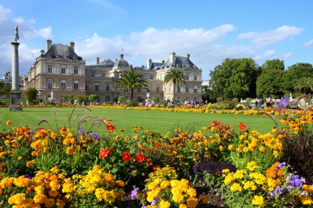 Paris, France - famous landmark, Luxembourg Palace and park. Banco de Imagens