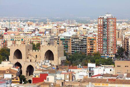 védekező: Valencia, Spanyolország. Antenna kilátás a régi védekező erődített torony.